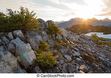 Mountains, Soluppgång