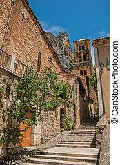 moustiers-sainte-marie., 階段, steeple, 裏通り, 崖, 光景