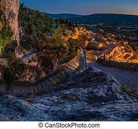 Moustiers Sainte Marie at night