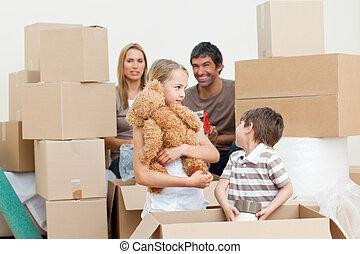 mouvement, boîtes, après, famille, déballage