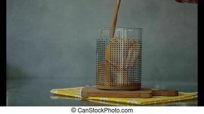 mouvement, café glacé, glace, lent, cube, verre, verser, ...