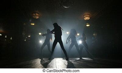 mouvement, filles, silhouettes, danse lente
