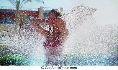 mouvement, gouttes, sous, girl, fontaine, chutes d'eau, eau...