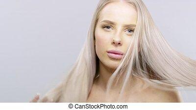 mouvement, lent, beauté, femme, cheveux, souffler, portrait, blond, vent