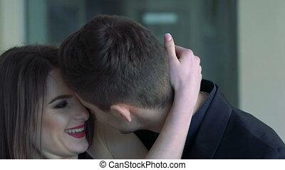 mouvement, portrait, baisers, lent, amour, embracing., couple, passionné