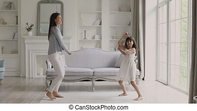 moves., femme, générations, rigolote, confection, famille, ...