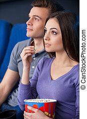 movie!, couple, regarder, pop-corn, quel, jeune, cinéma, film, excité, manger, exciter, quoique