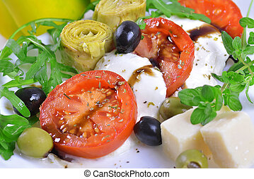 Mozzarella, tomato and artichoke