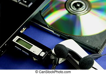 MP3 downloading - Downloading music to MP3 player from CD in...