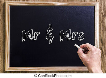 Mr & Mrs - New chalkboard with 3D outlined text