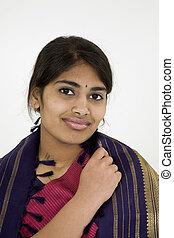 MR382 India Teen - Beautiful Hindu teenager dressed in a...