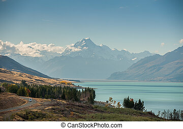 Mt Cook view from the beautiful blue lake Pukaki