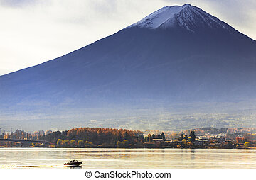 Mt. Fuji view from kawaguchi-ko lake village in autumn ...