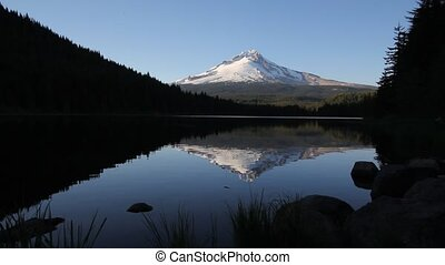 Mt. Hood in Trillium Lake 1080p