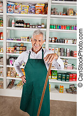 mužský, vlastník, stálý, na, police, do, supermarket