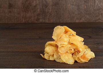 mucchio, di, bollitore, patata cucinata, patatine fritte