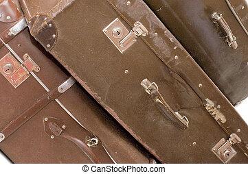 mucchio, di, vecchio, valigie, isolato, bianco