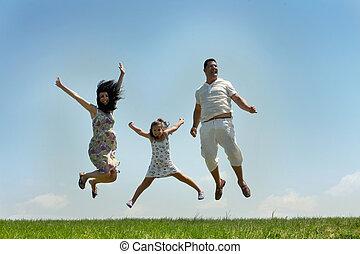 mucha, błękitne niebo, rodzina, szczęśliwy