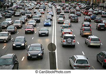 muchos, coches, en, camino
