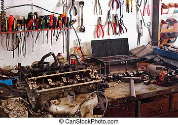 Muchos, taller, herramientas