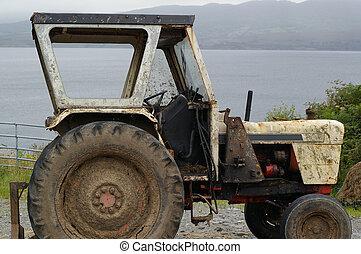 Muddy Tractor