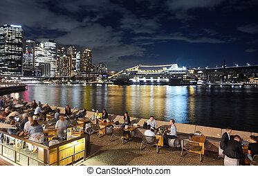 muelle, grande, barco, anclado, animado, sydney, crucero, por, circular, puerto, vida nocturna