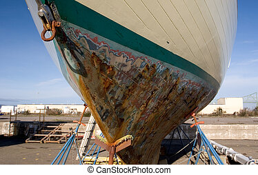 muelle seco, barco de pesca