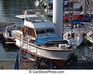 muelle seco, barco