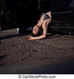 muerto, mujer, en coche