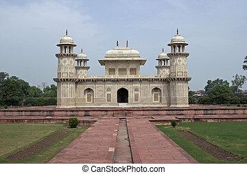 Ornate white marble Mughal tomb (I'timad-ud-Daulah). 17th Century AD. Agra, Uttar Pradesh, India