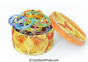 muitos, coloridos, moda, pulseiras, caixa