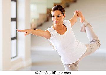 mujer, actitud del yoga