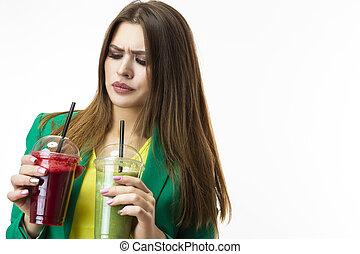 mujer, alimento, posar, ambos, vegetal, expresión, encima, smoothie., unpleased, white., facial, bebida, verde, sano, chaqueta, rojo, eating., detox