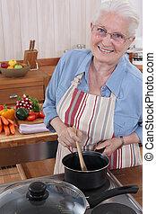 mujer anciana, cocina, ella, cocina