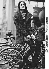 mujer, bicicleta, joven