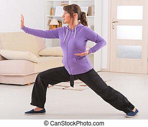 mujer, chi, gong, qi, tai, ejercicio