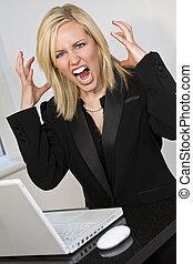 mujer, choque, teniendo, computadora