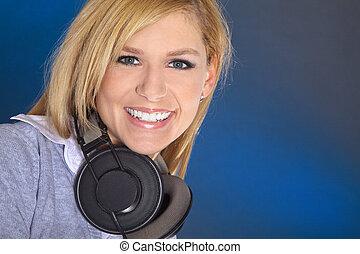 mujer, con, auriculares