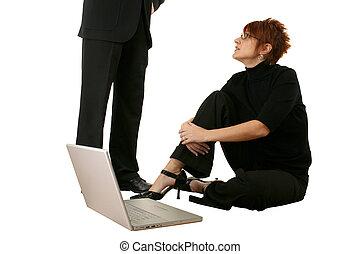 mujer, con, computador portatil