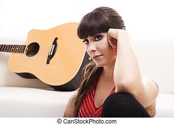 mujer, con, ella, guitarra