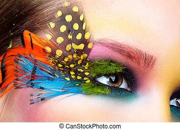 mujer, con, moda, pluma, pestañas, maquillaje