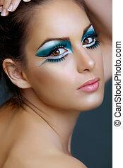 mujer, con, turquesa, make-up.