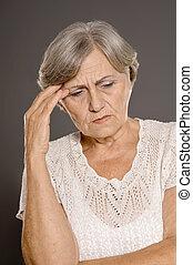 mujer, con, un, dolor de cabeza