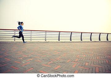 mujer, corredor, atleta, playa, joven, corriente, condición física, camino