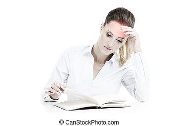 mujer de negocios, con, documentos, teniendo, dolor de cabeza