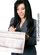 mujer de negocios, con, periódico