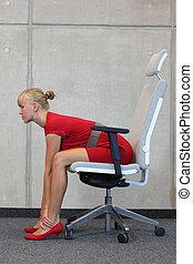 mujer de negocios, ejercitar, en, silla
