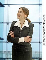mujer de negocios, en, el, moderno, oficina