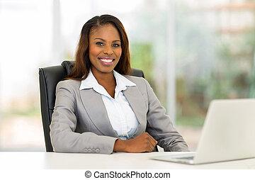 mujer de negocios, norteamericano, oficina, africano