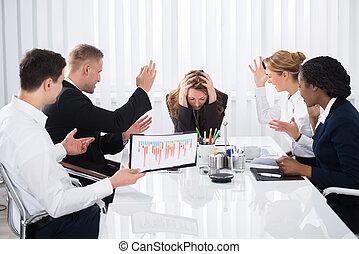 mujer de negocios, reunión, trastorno